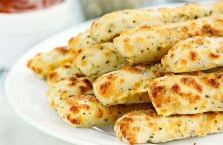 Garlic Cheese Sticks